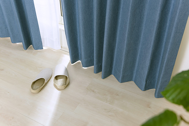 綿のような柔らかな風合いの遮光率100%完全1級遮光カーテン モニカ