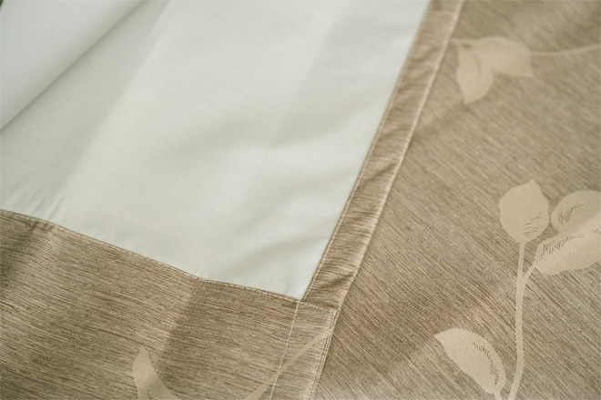 上品なリーフ柄のジャガード織カーテン遮光率100%完全遮光カーテン クロエ
