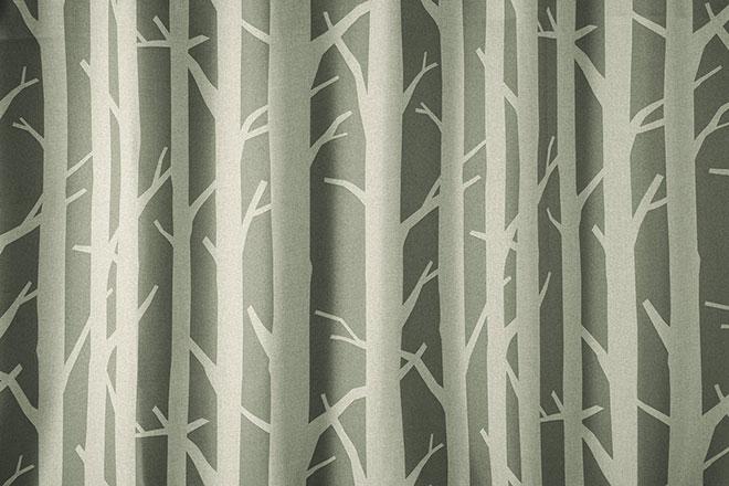 白樺の森にいるような3級遮光カーテン ビリオーザ