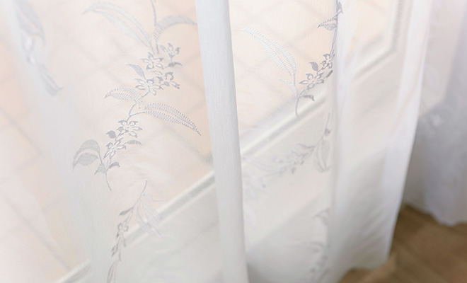 繊細なフラワー柄ボイルレースカーテン ココ